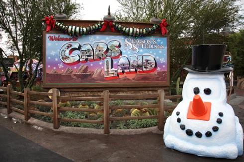 CarsLand_Christmas